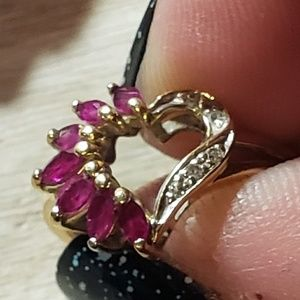 14kt ruby heart ring